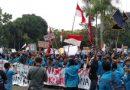Ribuan Mahasiswa Kalbar Unjuk Rasa Di Gedung DPRD