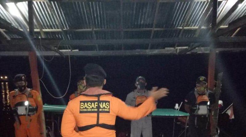 Tolong, Sampan Motor Membawa Rombongan Voli Tenggelam di Sungai Sambas