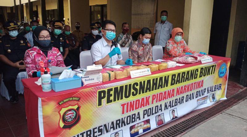 Polda Kalbar Musnahkan 7 Kg Sabu dan Ribuan Butir Ekstasi