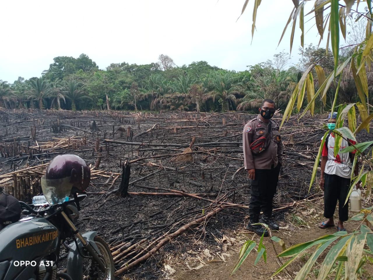 Deteksi Titik Api, Personel Polsek Sengah Temila Langsung Datangi Lokasi