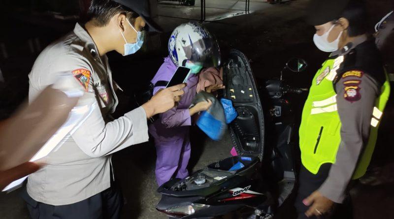 Operasi Pekat Kapuas, Polisi Landak Tangkap Pengendara Pembawa Sajam