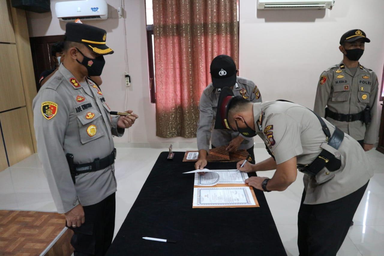 Dua Pejabat Polres Landak Dimutasi, Kapolres : Segera Lakukan Konsolidasi