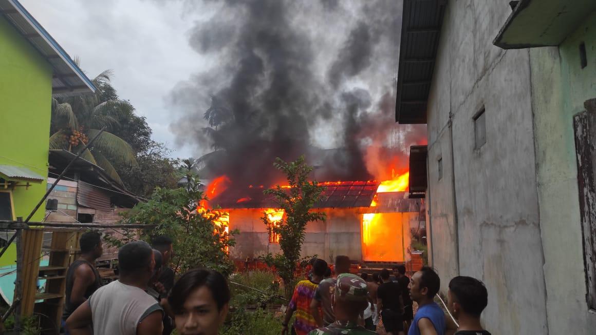 Ditinggal Pergi Saat Masak Nasi, Rumah Warga Menyuke Ludes Terbakar