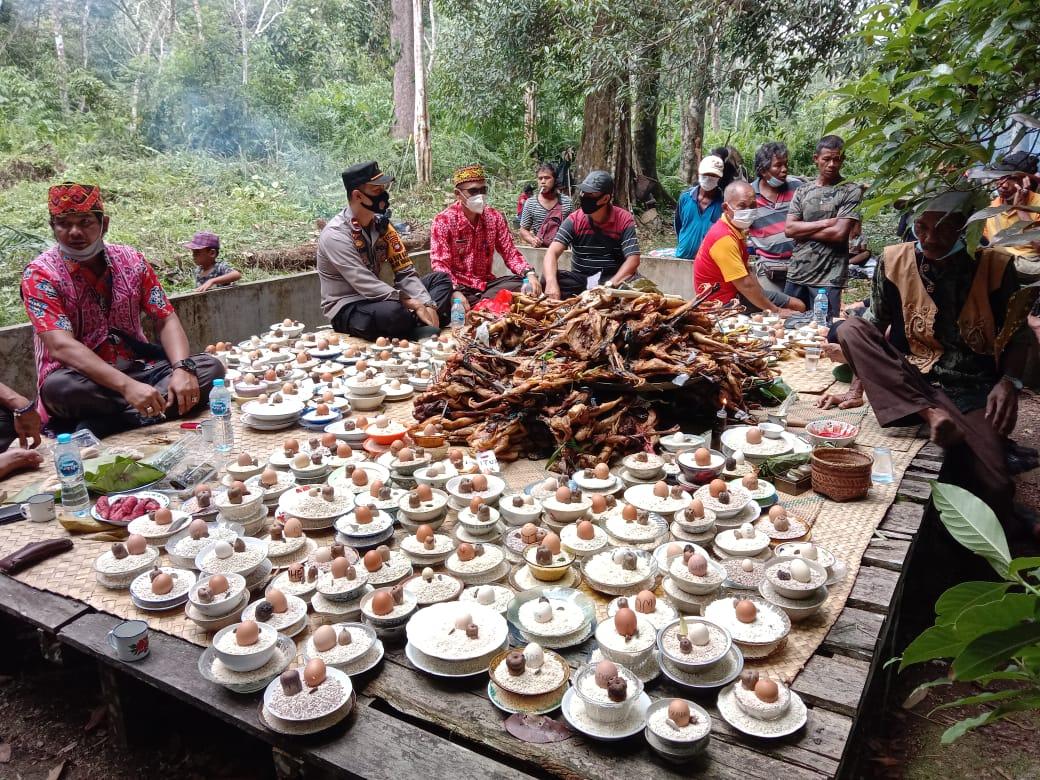 Warga Desa Saham Sengah Temila Gelar Ritual Nabok Panyugu