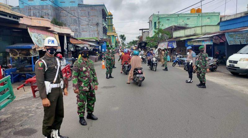 Dansubdebpom XII/2-4 Kapuas Lettu Cpm Indra Wahyudi menegaskan, kegiatan operasi penegakkan disiplin dilakukan secara rutin bersinergi dengan instansi terkait di sana