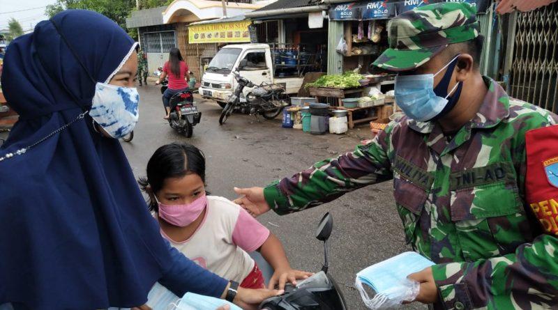nasihat dari Pak TNI supaya selalu memakai masker dan mencuci tangan serta menjaga jarak dan kebersihan lingkungan