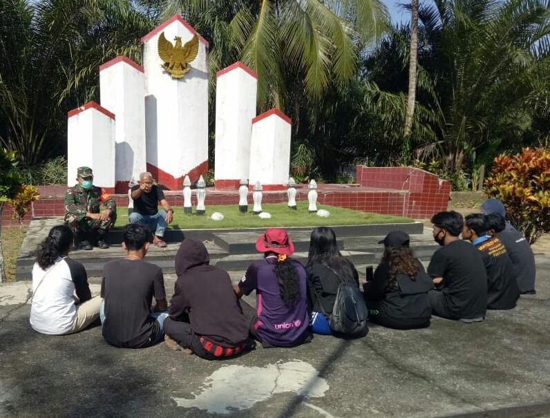 Babinsa Koramil Sengah Temila Ingatkan Remaja Desa Sidas Sejarah Perjuangan
