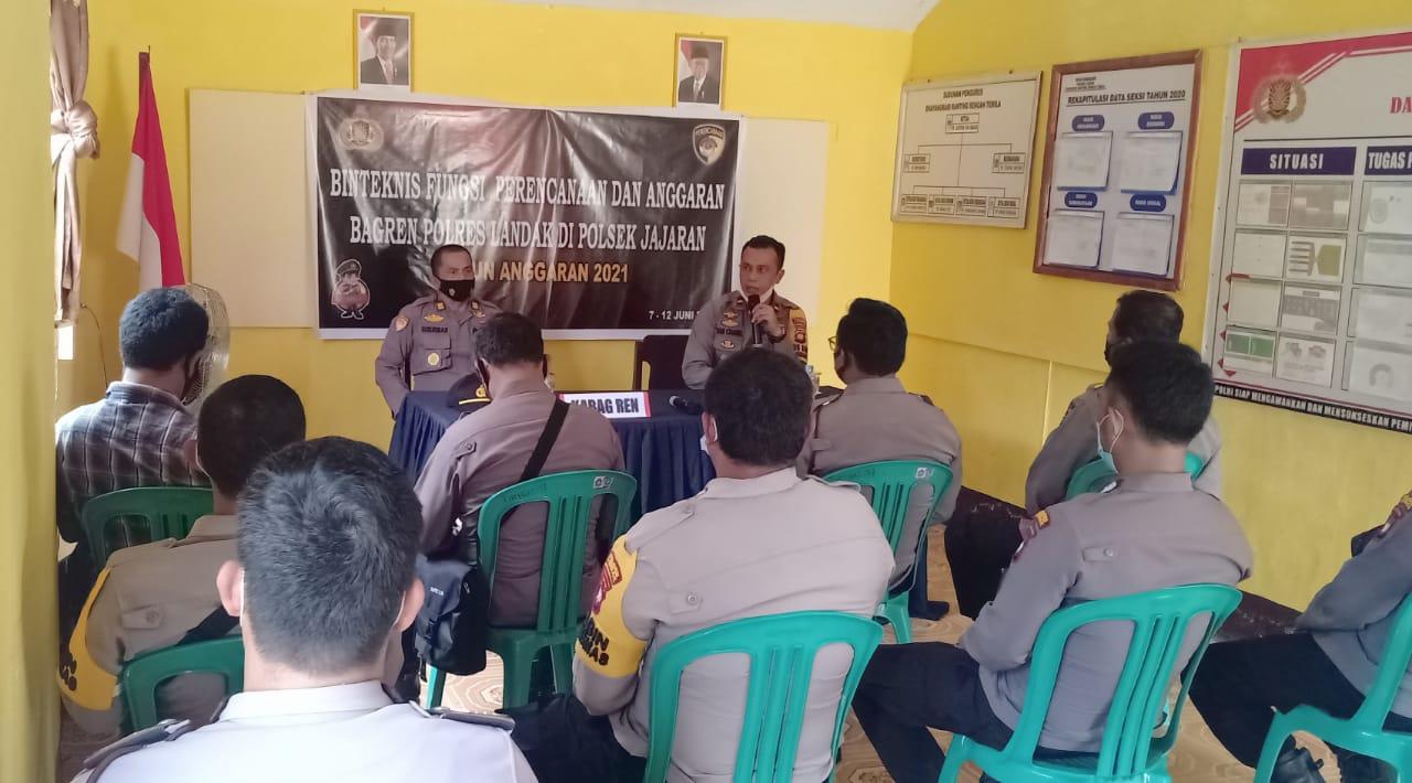 Kabagren Polres Landak Gelar Binteknis di Polsek Sengah Temila
