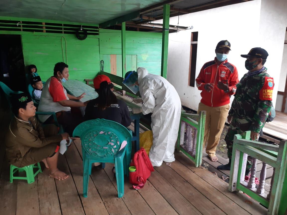 TGC Puskesmas Sebangki Tracing Enam Warga Desa Sungai Segak