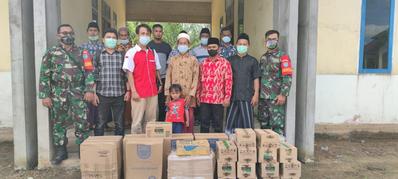 Gandeng Babinsa, Pemuda Muslim Kabupaten Landak Kembali Salurkan Bantuan ke Ponpes
