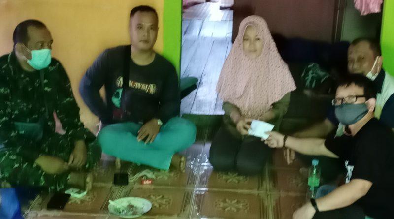 IWO Landak di dampingi Danramil Serimbu serahkan donasi kepada istri almarhum Devi Zulkarnain Jurnalis Senior