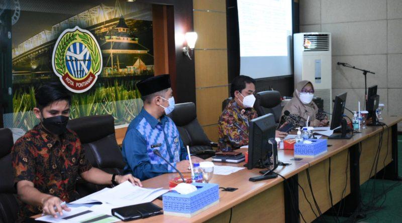 Wakil Wali Kota Pontianak Bahasan memimpin rapat koordinasi Tim Asistensi Percepatan Penyerapan Anggaran Penanganan Covid-19 di Ruang Rapat Wali Kota Pontianak.